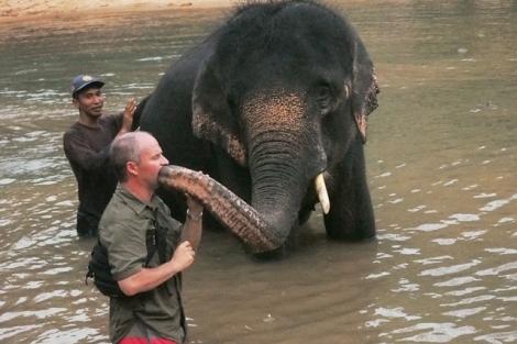 Alfredo saat pengambilan gambar di Elephant Village